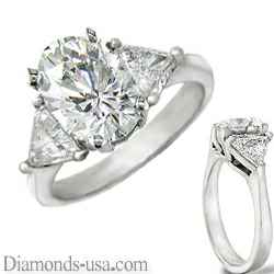 Engagement ring  with side triangle diamonds