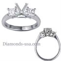 Picture of Engagement ring with side diamond princess