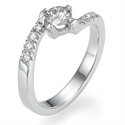 Picture of Engagement ring with side diamonds
