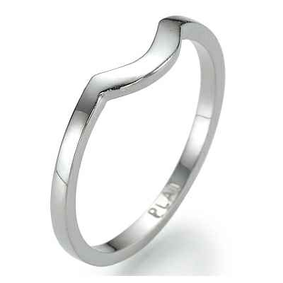 Matching wedding band for engagement ring