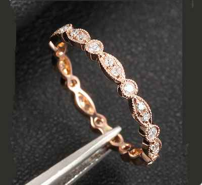 Stackable eternity scalloped diamonds band 0.32Cts