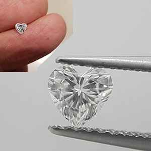 Picture of 0.28 Carats, Heart Diamond with Very Good Cut, D Color, SI1 Clarity and Certified By Diamonds-USA