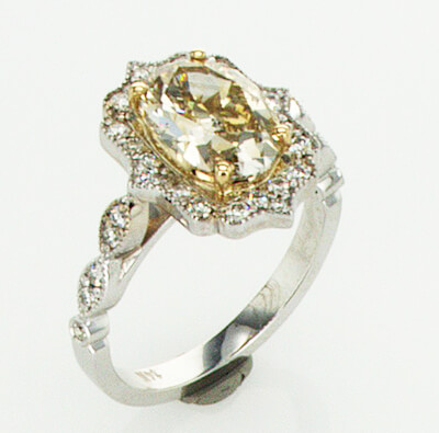 Art Deco style 2.05 carat center natural Oval GIA natural brown-yellow (Honey color)SI2