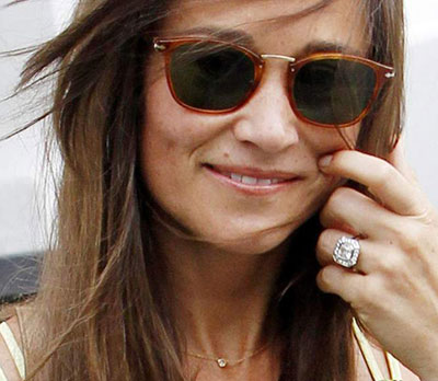 Pippa Middleton Engagement ring with 1 carat Canary yellow Cushion SI1