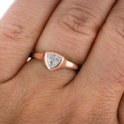 Triangle cheap Engagement ring with 0.24 Carat H VS1 natural diamond