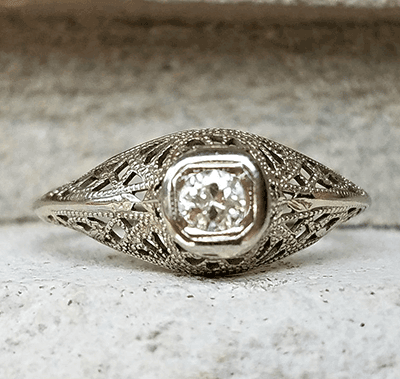 Genuine 1920's Art Deco Engagement ring set with natural diamond 0.20 carat