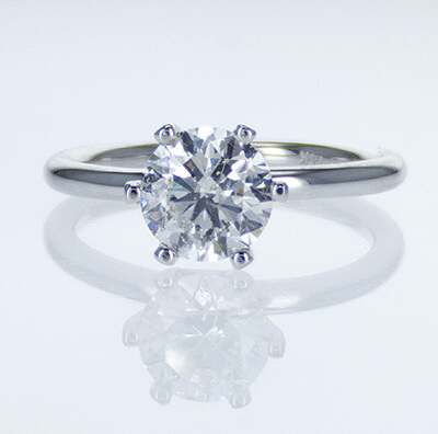 Solid tube engagement ring with 6 prongs Classic style head